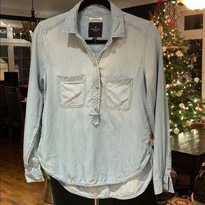 🤩 American Eagle denim shirt